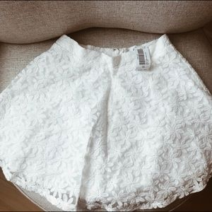 🆕 White Lace Skirt